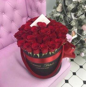 Цветы в коробке шикарный подарок