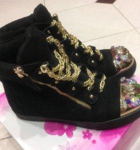 Новые ботинки весна