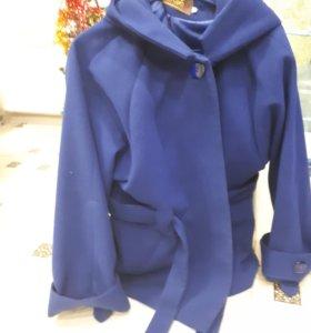 Демисезонное пальто. Темно-синего цвета.