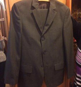 Костюм 44 р-р пиджак брюки идеально для выпускного