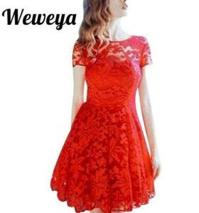 Новое кружевное красное платье