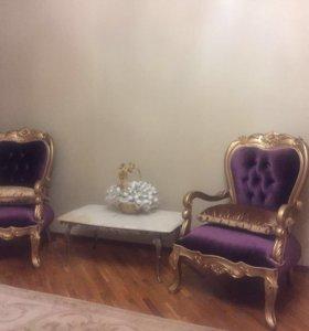Кресла и столик