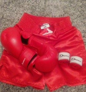 Бокс (перчатки, шорты)