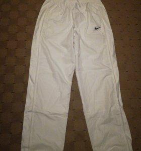 Спортивные брюки Nike,
