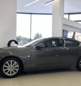 Jaguar XE, 2017