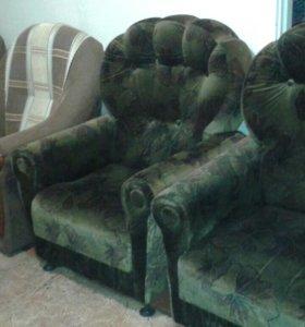 Продаются кресла б/у 2 кресла