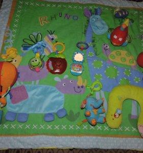 Игрушки и коврик для малышей