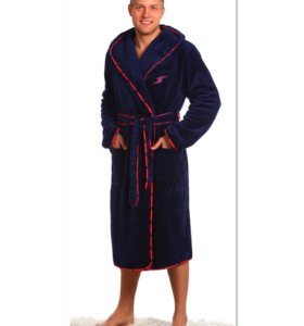 Продается мужской халат с капюшоном