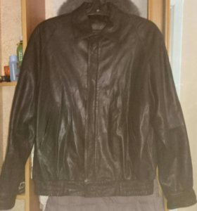 Куртка натуральная кожа р.52 мужская как новая
