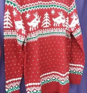 Свитер с новогодней вышивкой
