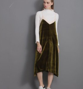 Бархатное платье L новое