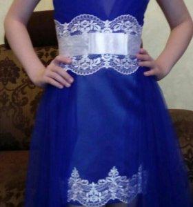 Праздничное платье на девочку.