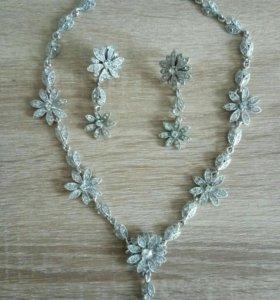 Комплект (ожерелье +серьги)