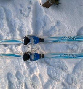 Лыжи полу пластиковые с ботинками