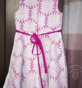 Нарядное платье для девочки рост 128 на 7-8лет