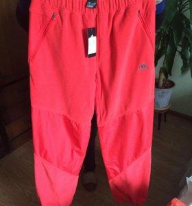 Спортивные штаны Адидас с кофтой.