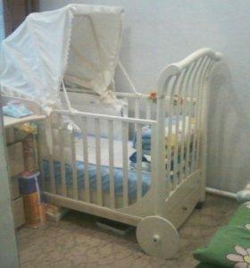 Кроватка детская ( фирмы -Беби Италия)