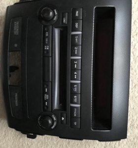 Штатная магнитола на Mitsubishi Outlander XL