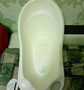 Ванночка с отверстием для слива воды