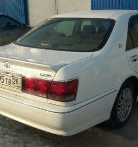 Спойлер и козырек на Toyota Crown 171