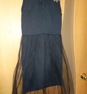 Черное платье с юбкой сеткой, б/у 1 раз.