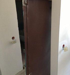Продам дверь входную металлическую
