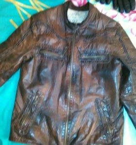 Куртка мужская,кожанная, размер М