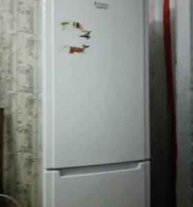 Холодильник Hotpoint Ariston б/у