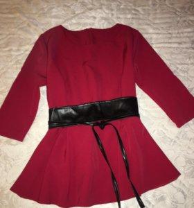 Блузка новая 44 размер