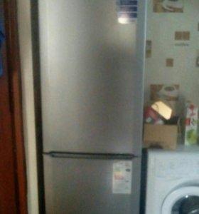 Холодильник BEKO в отличном состоянии.