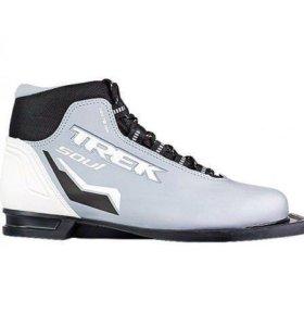 Лыжные ботинки новые р.42 Trek