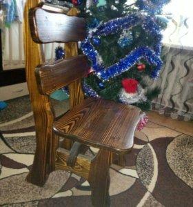 Два стула из массива сосны.
