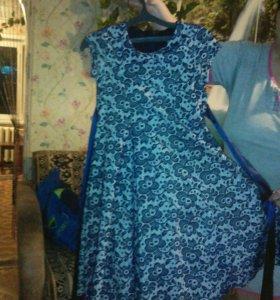 Платье на девочку 8-9