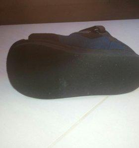 Ортопедический ботинок.