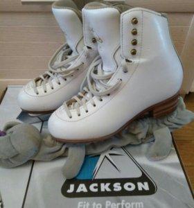 Коньки фигурные Jackson5