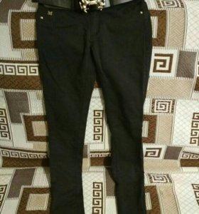 Новые женские брюки 26 р