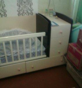 Детская кровать..трансформер маятник