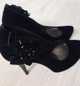 Туфли замшевые новые