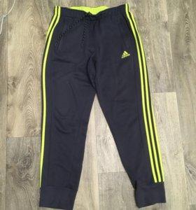 Спортивные штаны Adidas 46-48