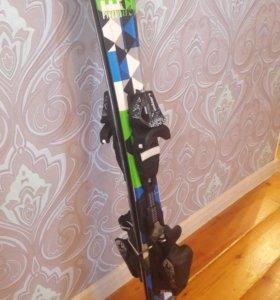 Комплект лыж и ботинок