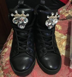 Продаю обувь «коронки»