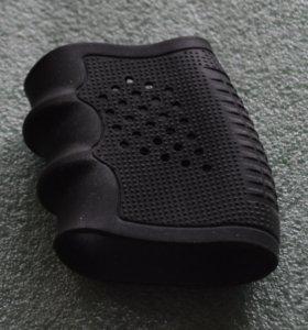 Универсальная накладка на рукоять пистолета.