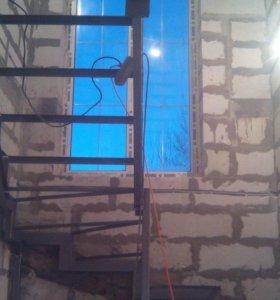 Каркас лестницы закрытого типа с поворотом на 180