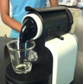 ☕ 🍰  Кофе машина Nespresso нов.