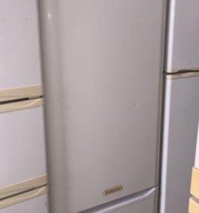 Холодильник Ariston