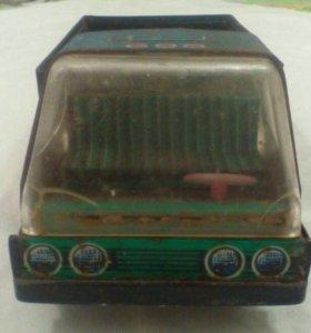 Машина ретро СССР железная игрушка