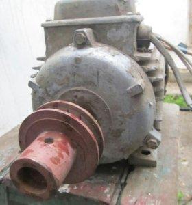 Двигатель 3 кв 1500об мин.