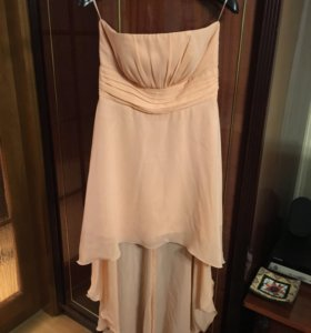 Нежно розовое платье.