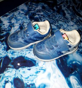 Детские кроссовки фирма Adidas 20-21....