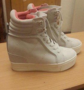 ботинки женские кеды